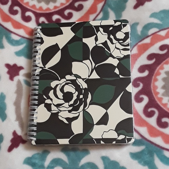 91f1435d8115b NWT Vera Bradley Mini Notebook Imperial Rose